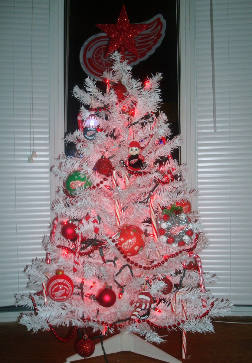 Our Red Wings Christmas Tree...Merry Christmas&#33;  GO WINGS&#33;&#33;